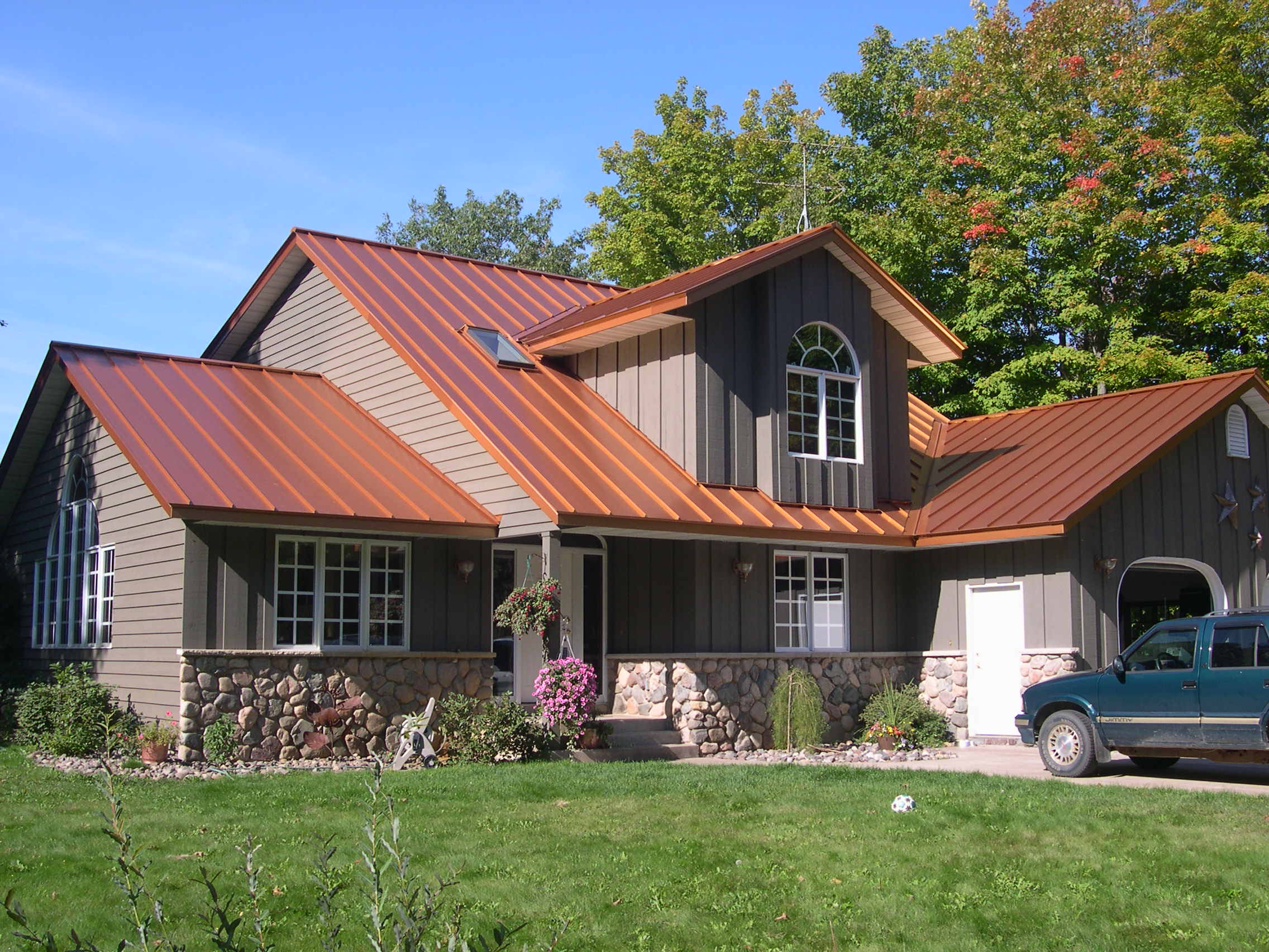 Best Copper Penny Standing Seam Roof Metal Roof Houses Metal 400 x 300